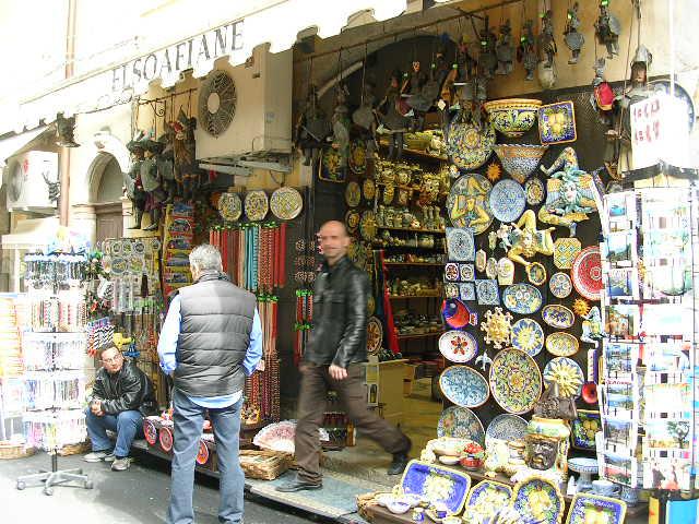 イタリア旅⑥⑦4月10,11日、タオルミーナ、チェファル観光_f0060461_1336162.jpg