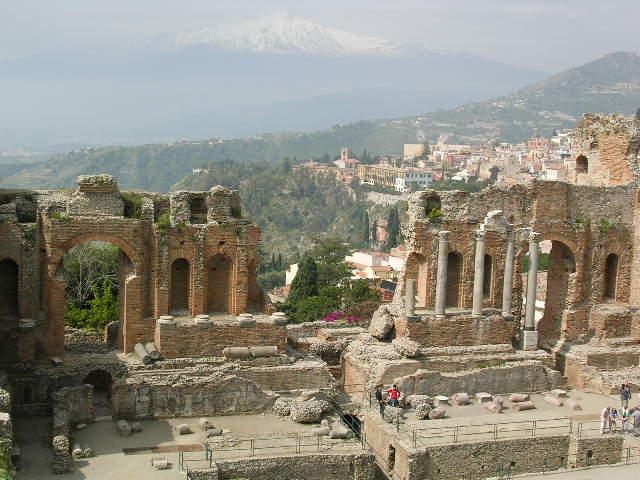 イタリア旅⑥⑦4月10,11日、タオルミーナ、チェファル観光_f0060461_13434912.jpg