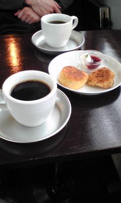 今週出掛けたカフェとカレ−屋さん!_c0131063_028821.jpg