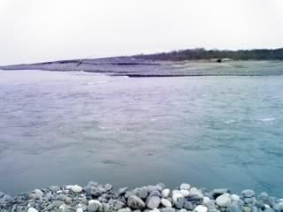 The river meets the ocean_e0014773_2052666.jpg