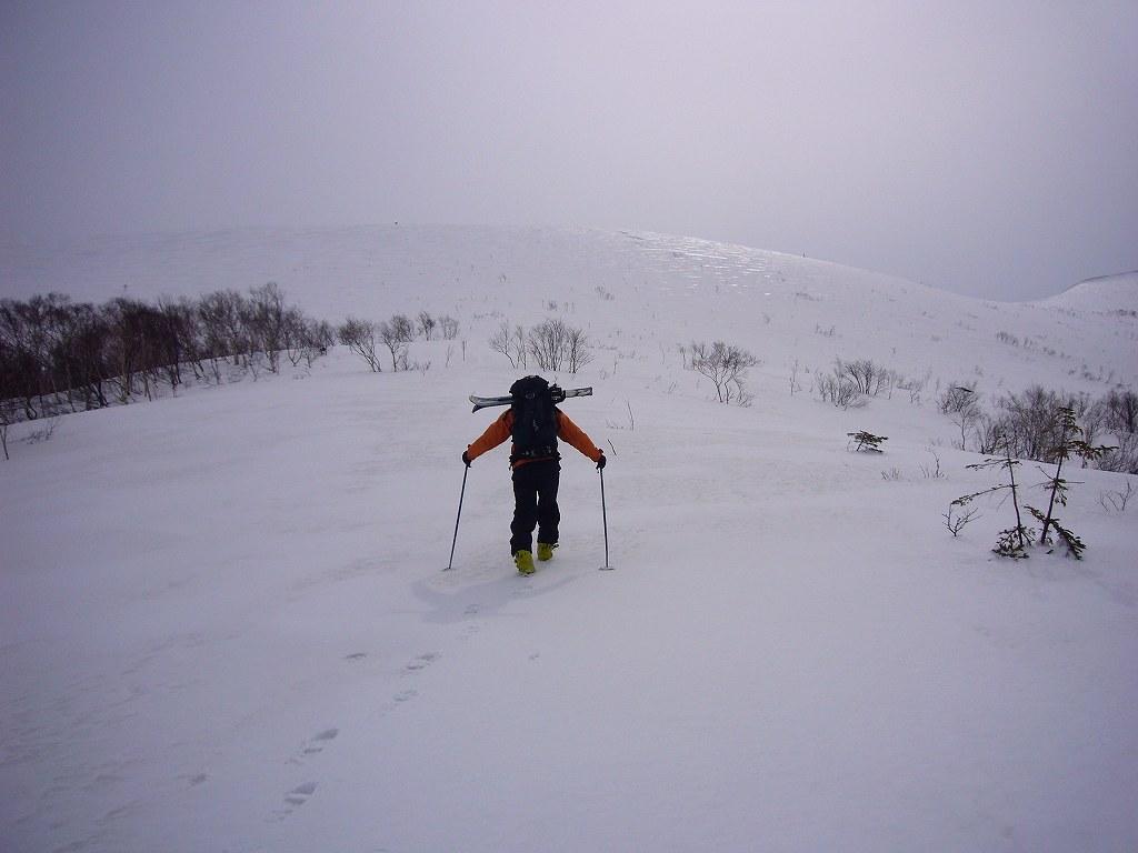 4月17日、樽前山と多峰古峰山をつなぐ_f0138096_20454419.jpg
