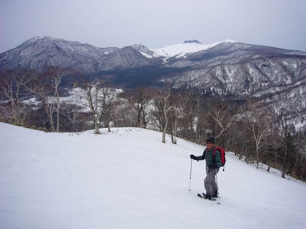 4月17日、樽前山と多峰古峰山をつなぐ_f0138096_2047097.jpg
