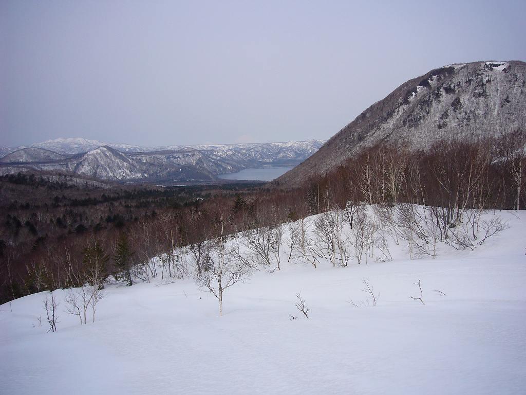 4月17日、樽前山と多峰古峰山をつなぐ_f0138096_2047181.jpg