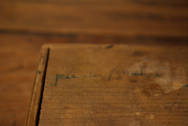 チップ入りの小さな木箱_f0146547_12163596.jpg