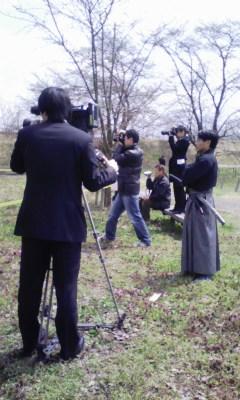 桜の蕾の下で演武_f0168392_2127630.jpg