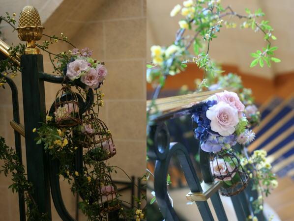 シェ松尾天王洲倶楽部様の装花 階段 モッコウバラとトリカゴ_a0042928_22261842.jpg