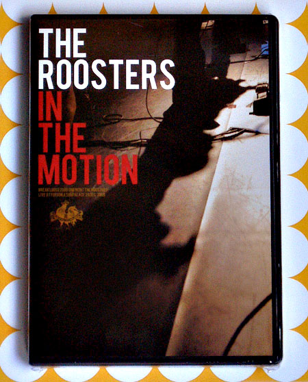 THE ROOSTERS IN THE MOTION_e0053731_2039406.jpg