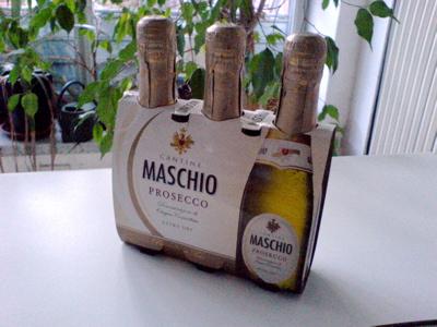 一人でスパークリングワイン_c0061896_215537100.jpg
