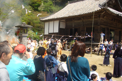 丹生大師、春の大祭に参拝しました!_a0154110_1420396.jpg