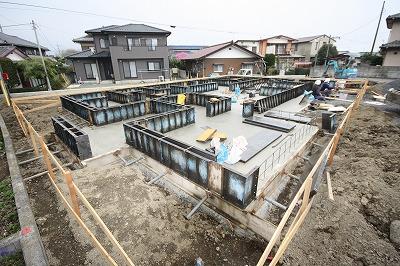 大間々町のO井様邸 地盤改良後 基礎工事が着々と進んでいます。_a0084859_9412020.jpg