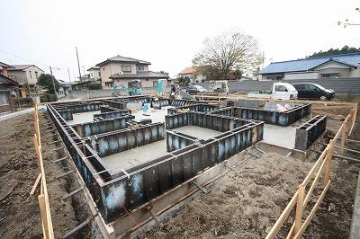 大間々町のO井様邸 地盤改良後 基礎工事が着々と進んでいます。_a0084859_9414195.jpg