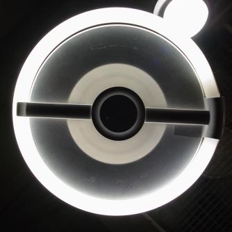 斬新なデザインのアルミシェードランプ 入荷しました。_a0096367_19192692.jpg