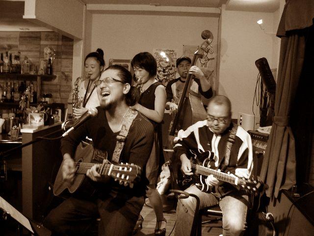 マルチーズロックCD発売記念 「ダウンタウンダンス」TOUR 2010_a0000682_11859.jpg