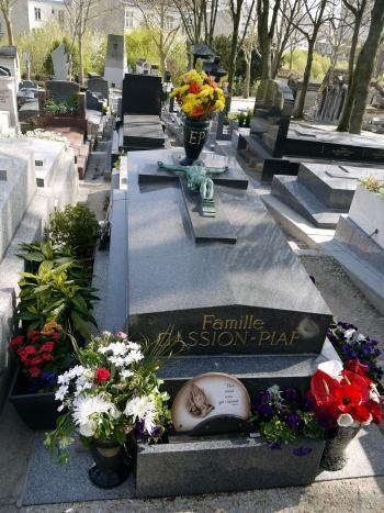 フランスの有名人のお墓一挙公開_c0090198_4292459.jpg