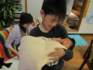赤ちゃんのいる生活(パパが来た)_a0046305_1729312.jpg