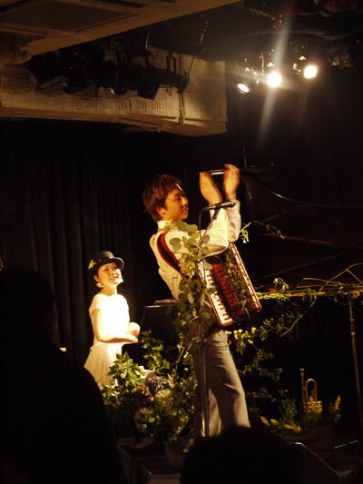 リンギンライブ「小さな夜の音楽会」@福岡Rooms_f0230569_1234668.jpg