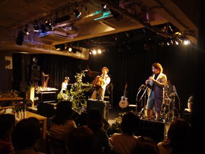 リンギンライブ「小さな夜の音楽会」@福岡Rooms_f0230569_124679.jpg