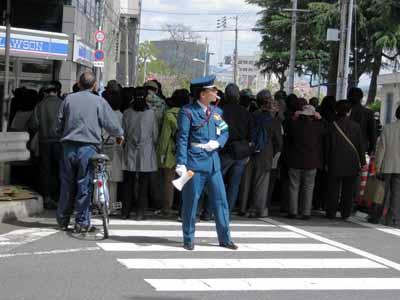 今年の「造幣局桜の通り抜け」♪_d0136282_19452674.jpg