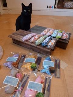 猫の森オフラインショッピングゆきねこショップ のぇるろった編。_a0143140_19131667.jpg
