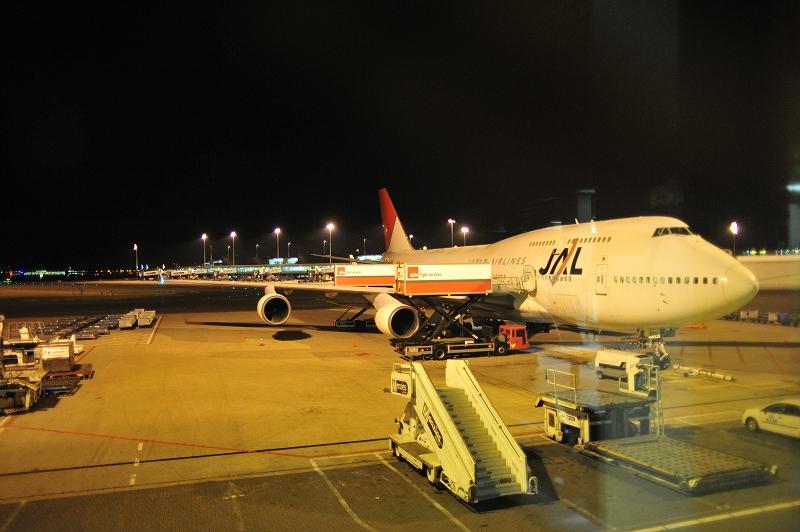 緊急帰国救援機   日航JL8412便_f0050534_3475725.jpg