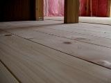 クルミの床_c0130172_15115461.jpg