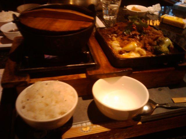 香港やきそば、焼き肉飯_f0192307_7451668.jpg