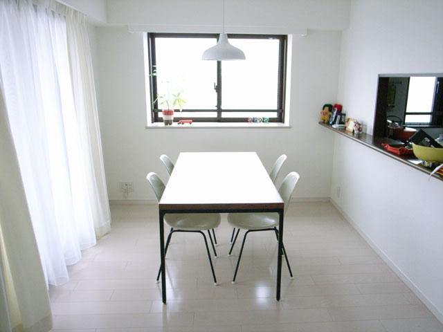 Dining Table [DT-02]_a0161631_1853466.jpg