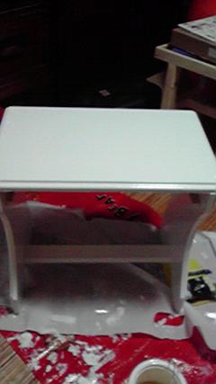 ミニチュアとミニテーブルの塗装_c0186441_2226382.jpg