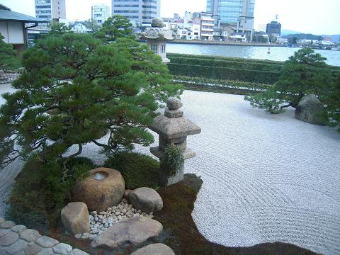 松江の[皆美館] ~西国桜旅⑤_b0050651_10504339.jpg