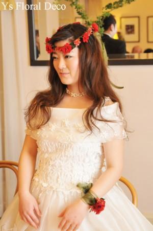 花冠&リストレット 赤いプリザーブドフラワーで_b0113510_012281.jpg