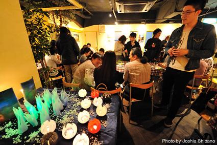 シバノ・ジョシアさんアイスランド写真展オープニング・パーティ!キャンドル・アートも!_c0003620_15163470.jpg