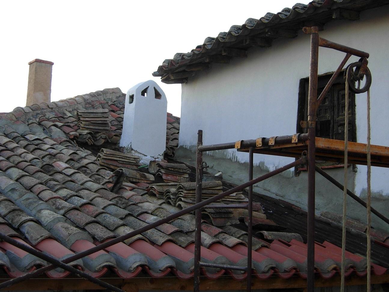 田舎の屋根_c0213220_8443945.jpg