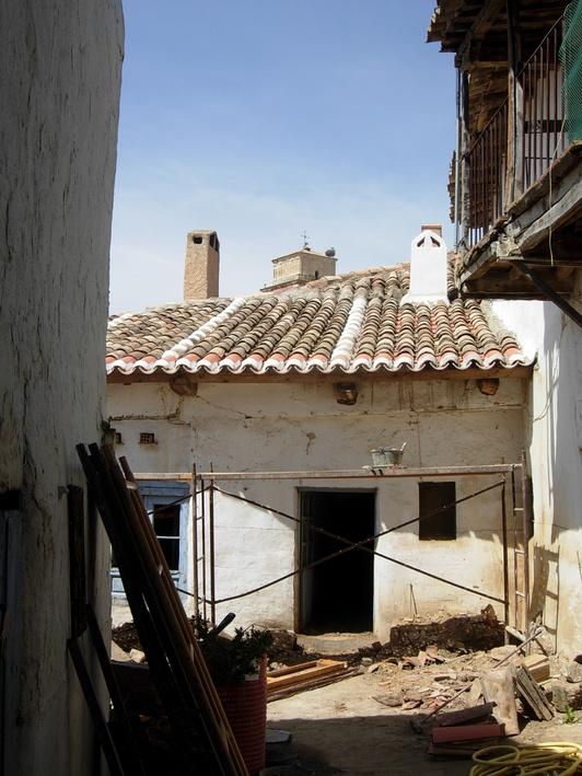 田舎の屋根_c0213220_8511432.jpg