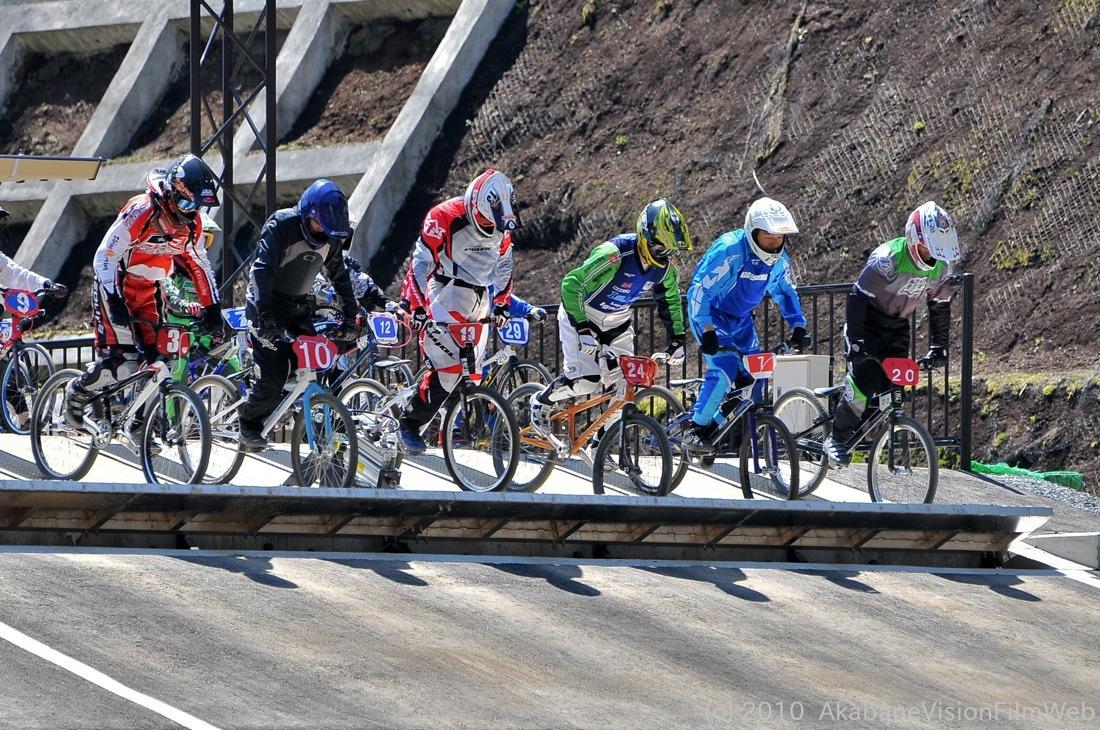 2010JBMXF全日本BMX選手権in秩父大会VOL9:全クラス予選その1_b0065730_12211826.jpg