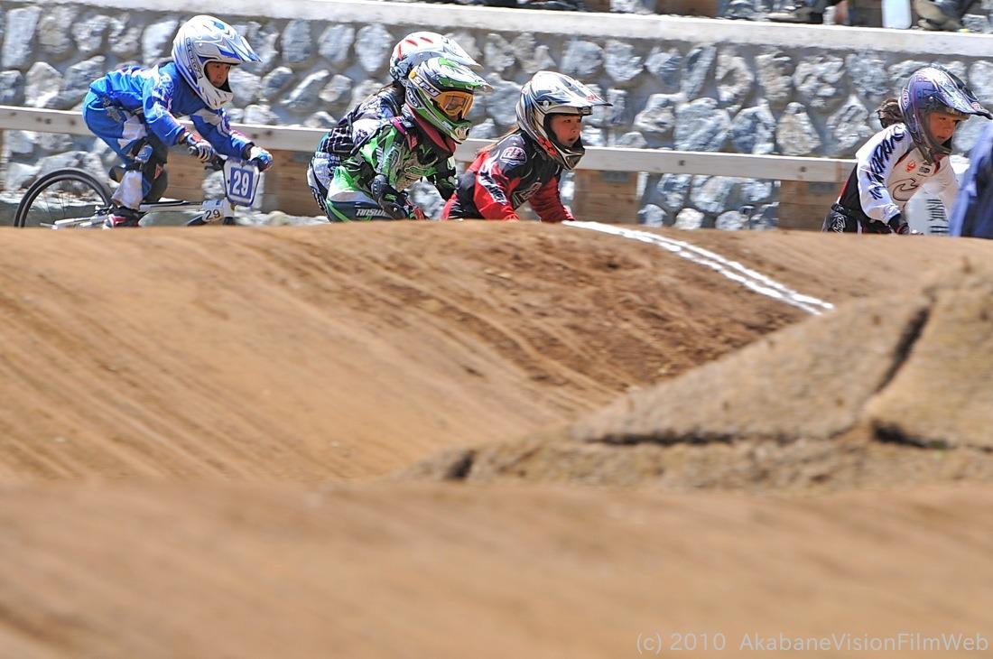 2010JBMXF全日本BMX選手権in秩父大会VOL9:全クラス予選その1_b0065730_12222652.jpg