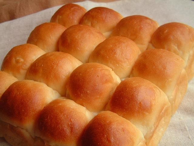 ぽこぽこちぎりパンでミニサンド♪_a0165538_10262314.jpg