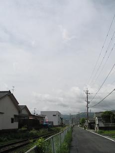 めまぐるしく変化した朝の天気。Nくんより祝酒_e0130185_13145719.jpg