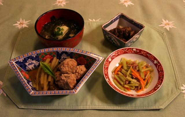 蕗と鶏団子の甘辛煮(222kcal)2010年4月27日  今夜の夕食メニュー_f0229190_225379.jpg