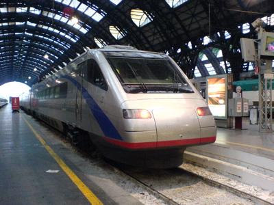 久々のイタリア国鉄_c0061896_17175459.jpg