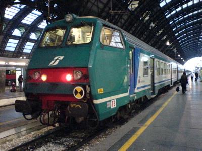 久々のイタリア国鉄_c0061896_17214532.jpg