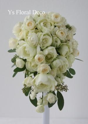 カップ咲きのバラとポポラス ティアドロップブーケ_b0113510_1124270.jpg