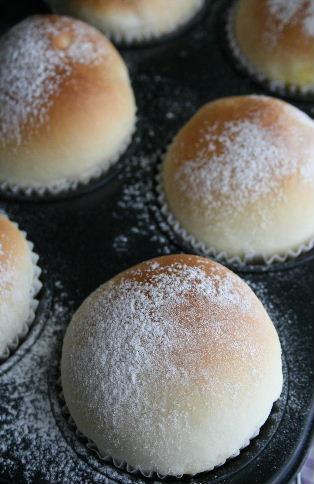 白神こだま酵母で、クリームパン。_f0082141_102519.jpg