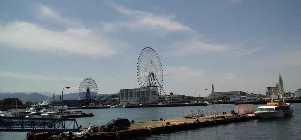晴天と福岡タワー・ヤフードーム・マリノアシティー_d0082356_15573711.jpg
