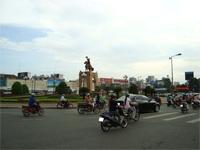 ベトナムへ行く。④  ~ベンタン市場で食器購入~_f0232060_15463675.jpg