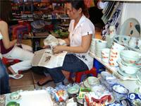 ベトナムへ行く。④  ~ベンタン市場で食器購入~_f0232060_15471867.jpg