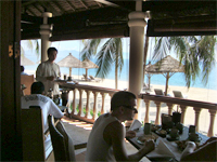 ベトナムへ行く。⑧  ~鯉と私の朝食~ _f0232060_163459.jpg