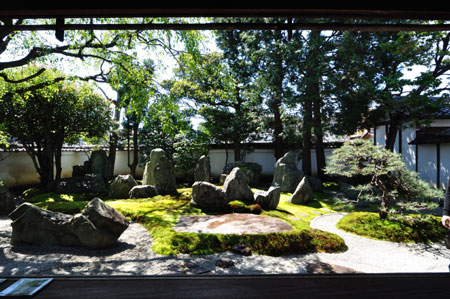 建築探訪 重森三玲庭園美術館・四君子苑_e0164563_9454462.jpg