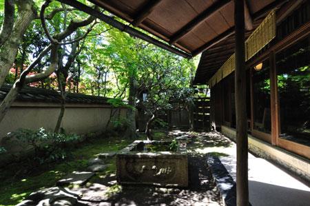 建築探訪 重森三玲庭園美術館・四君子苑_e0164563_9475914.jpg