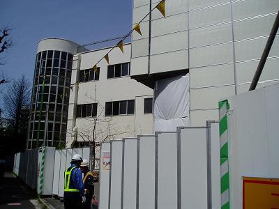 さよなら交通博物館 建物の解体状況(6)_f0030574_2233415.jpg