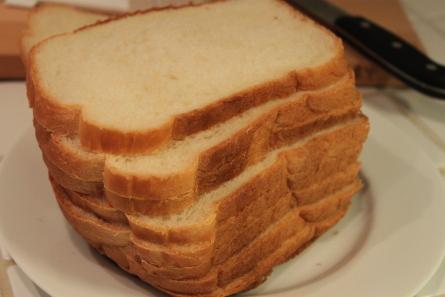 日本の材料でホームベーカリー食パンを焼いてみました。_d0129786_1451758.jpg